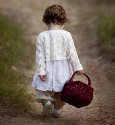 bambina-cestino