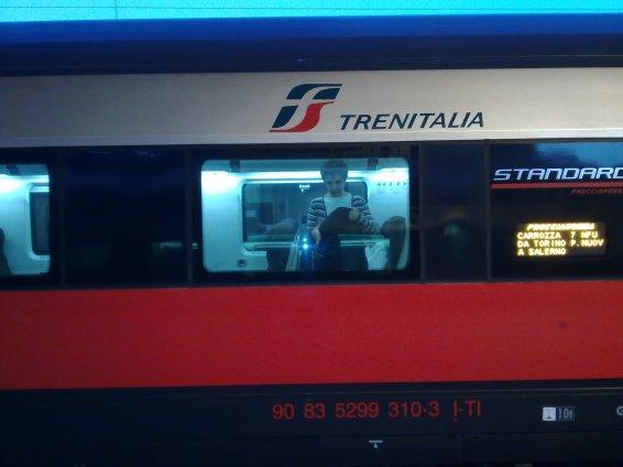 in-partenza-su-treno-9563
